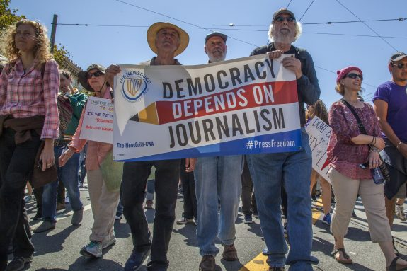 Pacific Media Workers protests anti-union firings at Mexico's most progressive newspaper